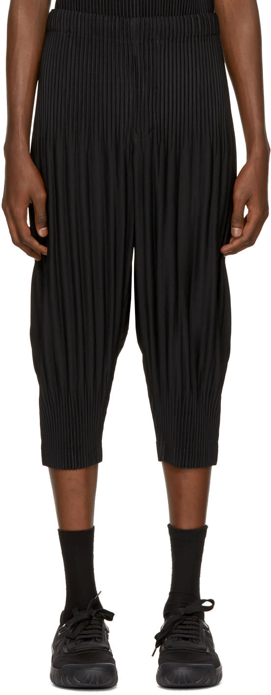 Image of Homme Plissé Issey Miyake Black Pleated Cropped Lounge Pants