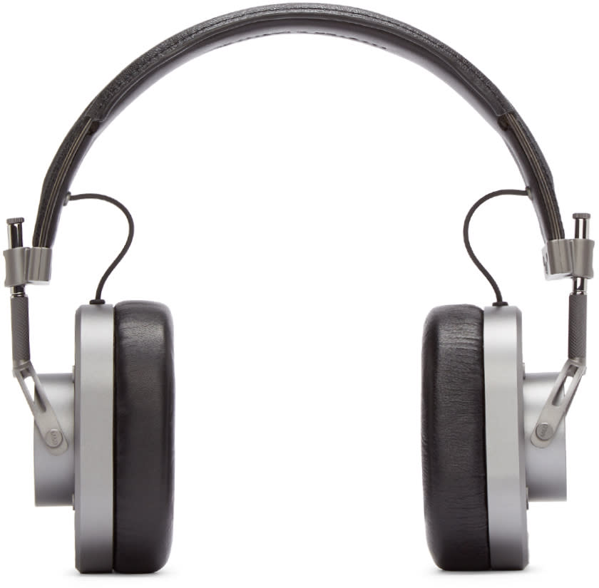 Master and Dynamic Gunmetal and Black Mh40 Headphones