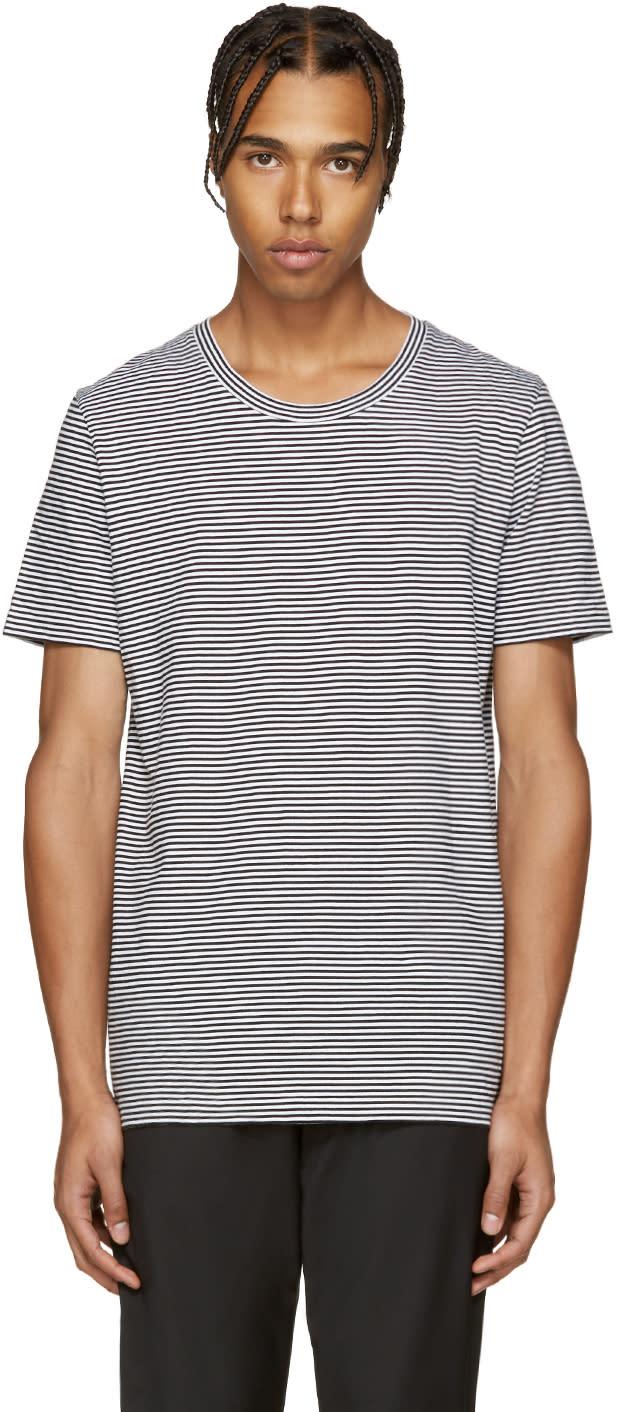 黒と白のストライプ 3枚組t シャツ