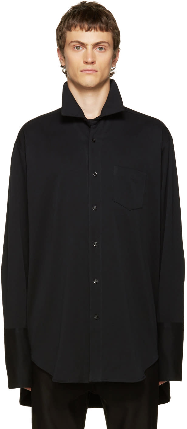 Yang Li Black Big Shirt