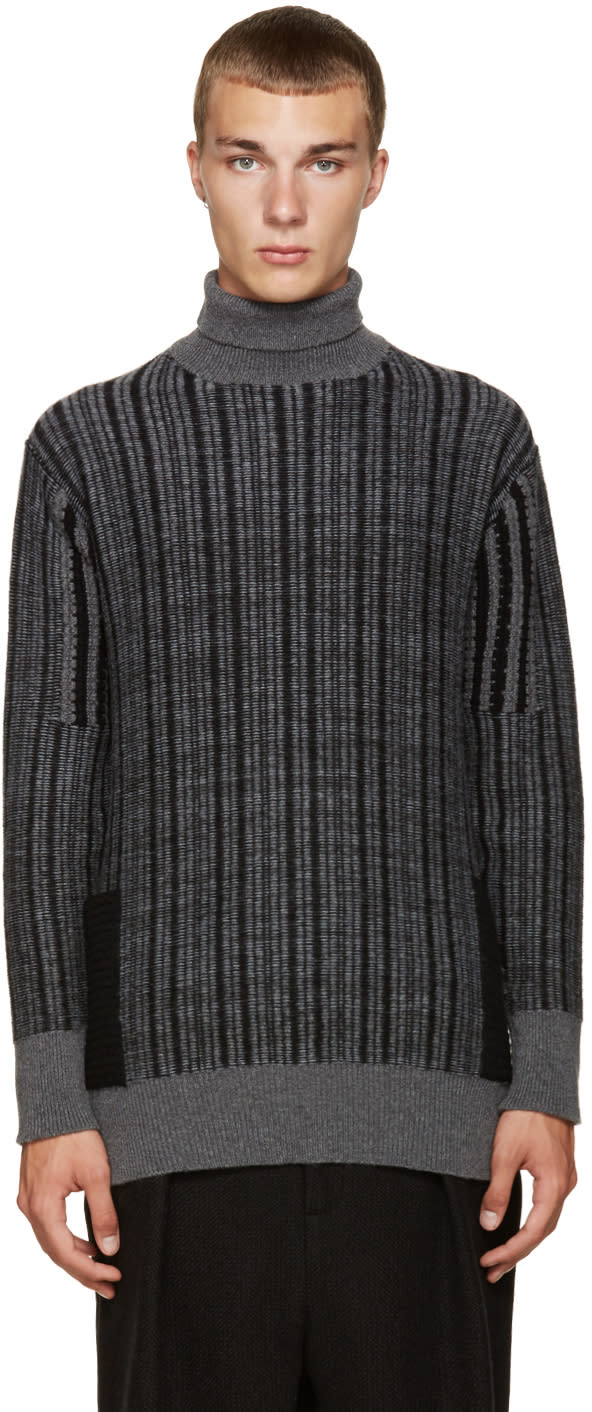 Curieux Grey Cashmere Pocket Turtleneck