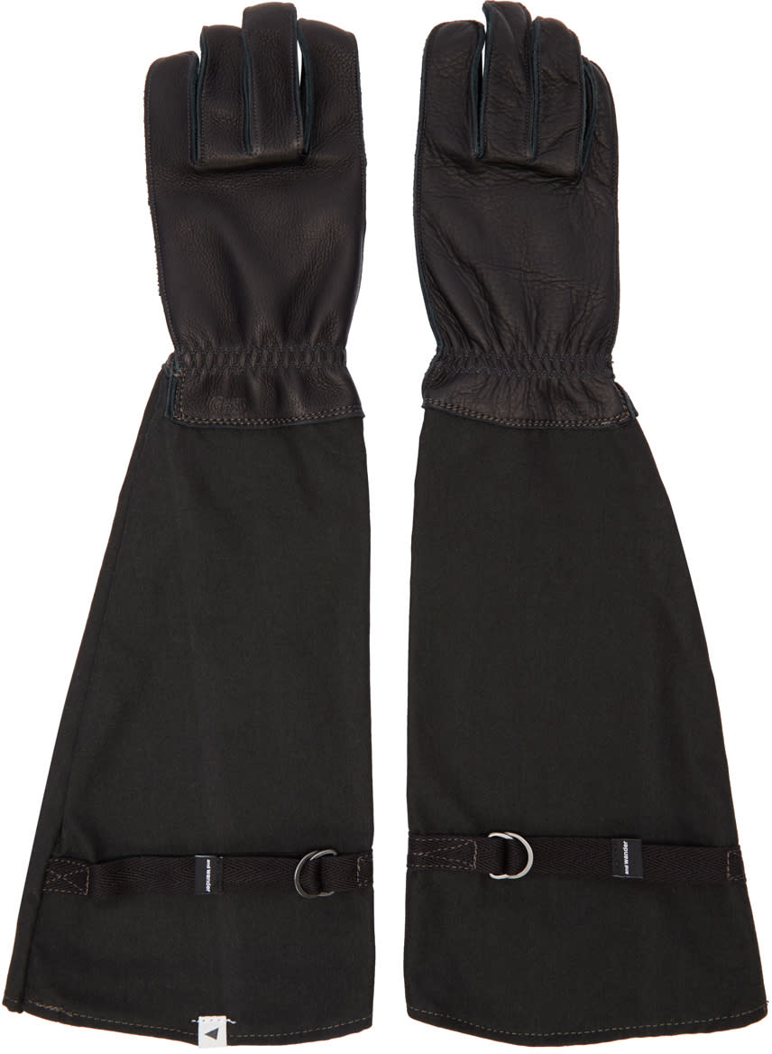 And Wander Black Flame-resistant Takibi Gloves