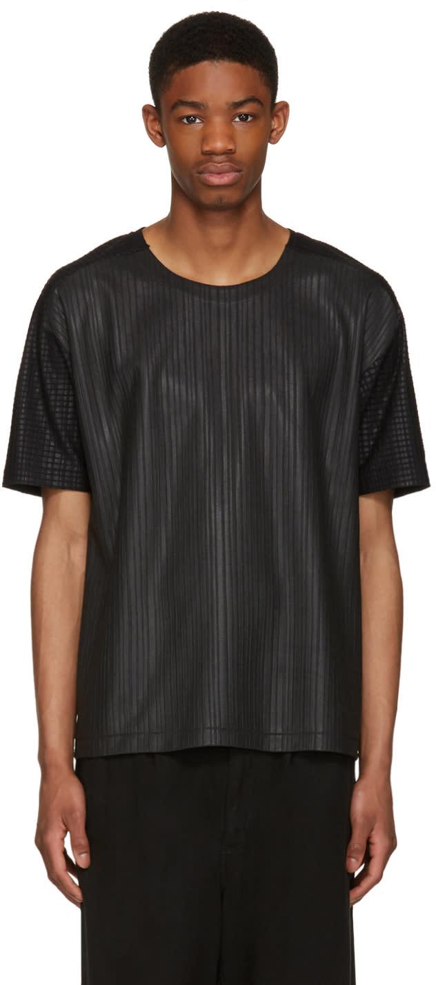 Issey Miyake Men Black Textured T-shirt