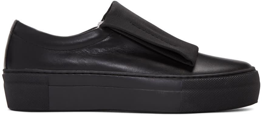 Primury Black Curioand Sneakers