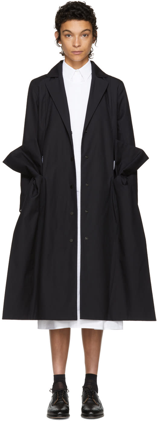 Image of Roberts | Wood Black Cambric Side Bow Coat