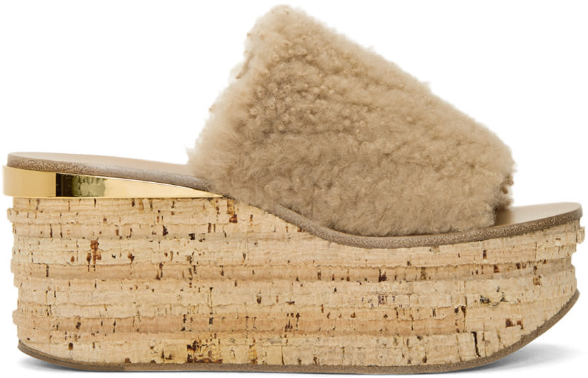 Image of Chloé Beige Shearling Camille Sandals