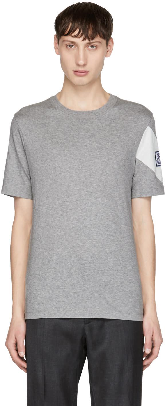 Image of Moncler Gamme Bleu Grey Chevron Logo T-shirt