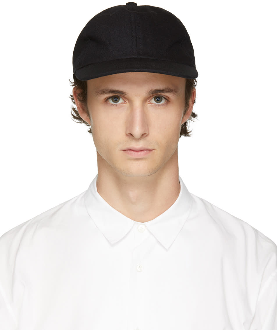 Image of Undecorated Man Black Wool and Cashmere Jet Cap