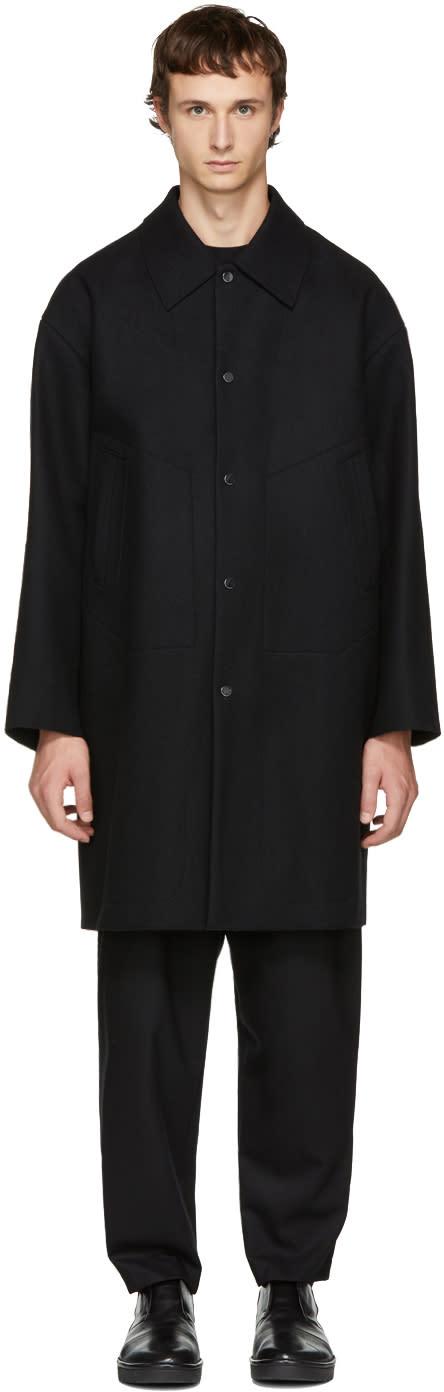 Image of Undecorated Man Black Soutien Collar Coat