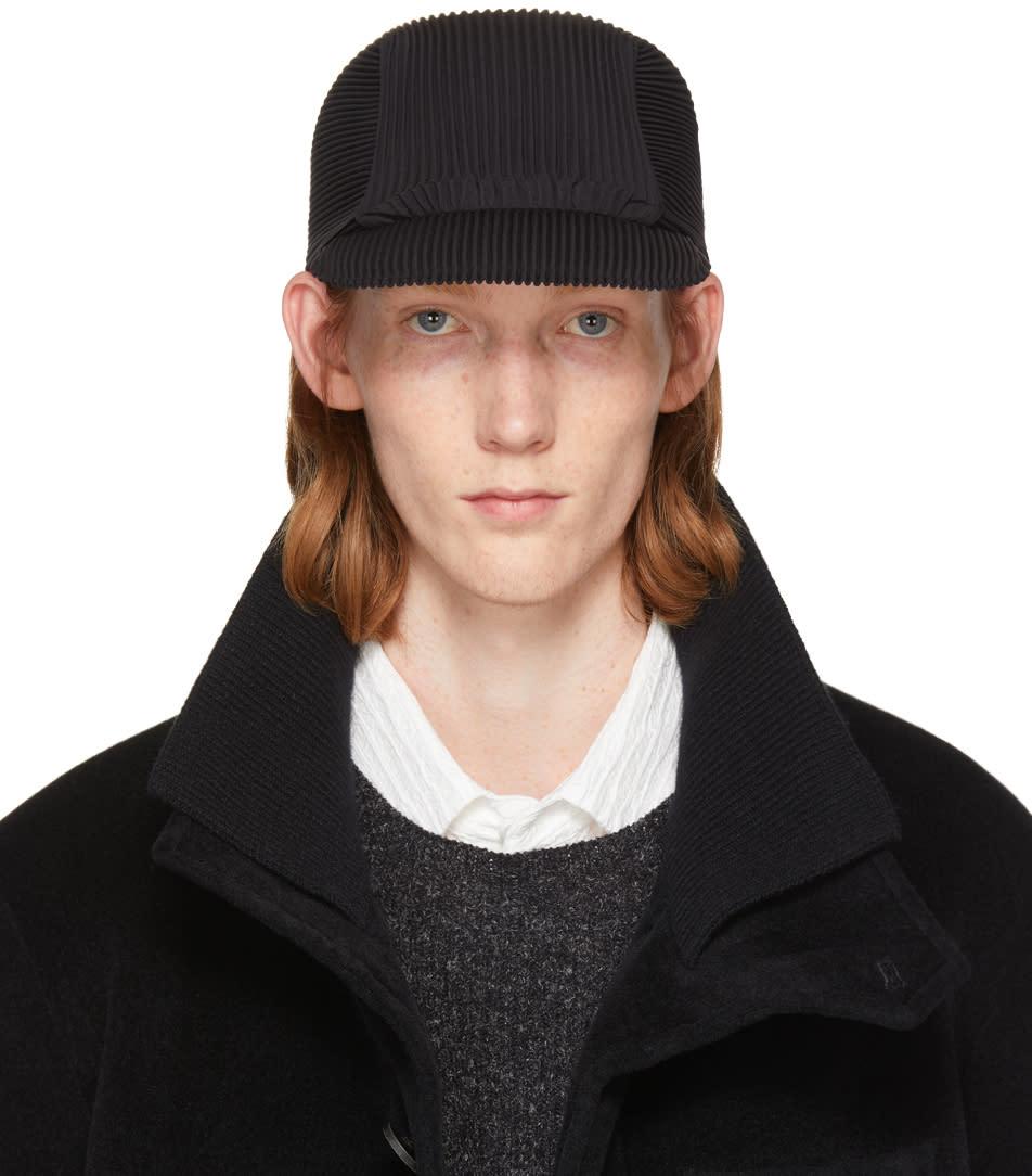 Image of Homme Plissé Issey Miyake Black Pleated Cap