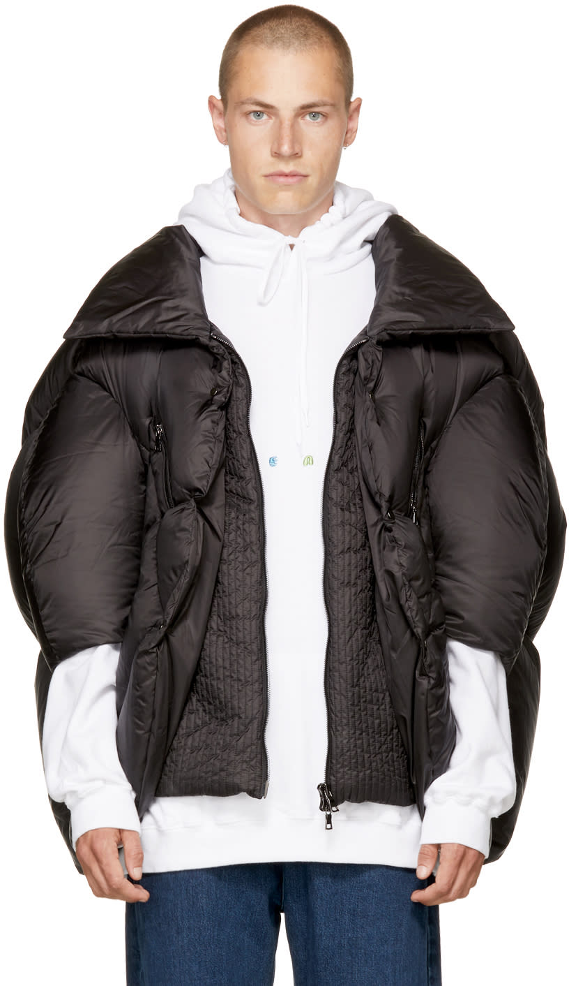 Image of Chen Peng Black Collared Puffer Jacket