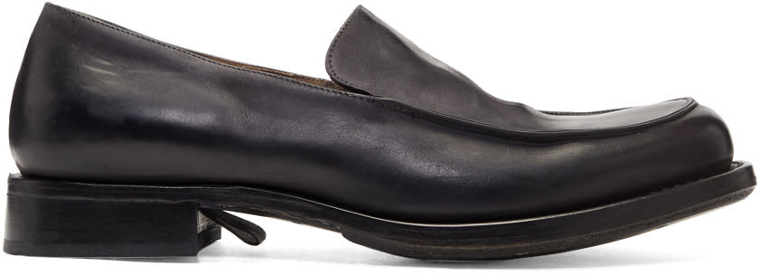 Image of Cherevichkiotvichki Black Pointy Moccasin Loafers