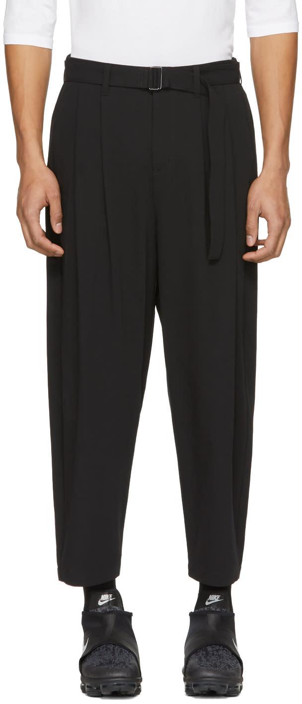 Attachment Pantalon à Jambe Ample Et Ceinture Noir