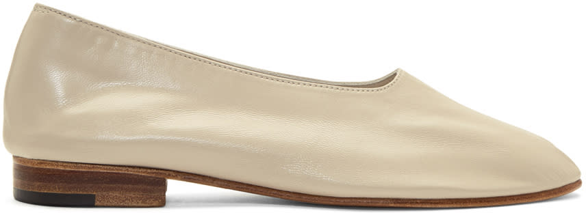 Image of Martiniano Beige Glove Slippers