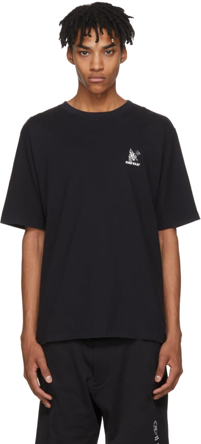 Image of Unravel Black Skull Skate T-shirt