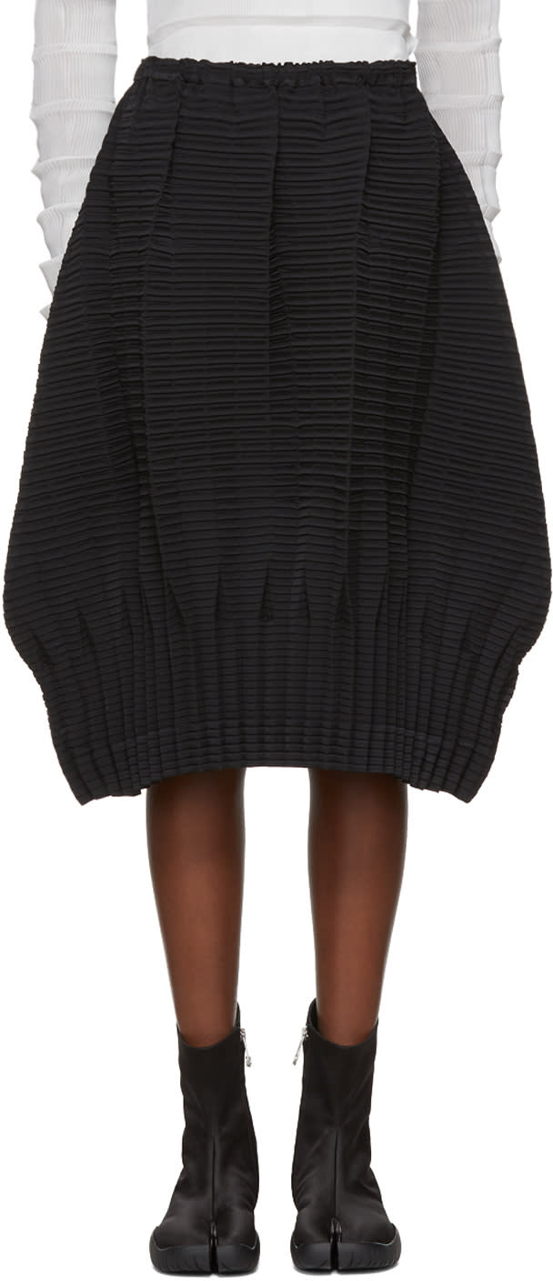 Image of Issey Miyake Black Plate Pleats Solid Skirt