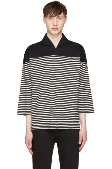 Sasquatchfabrix - Black & White WA-Neck Football T-Shirt