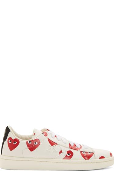 Comme des Garçons Play - White Canvas Signature Heart Print Converse Edition Sneakers