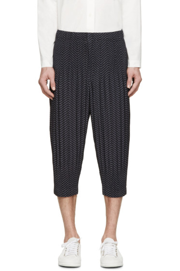Homme Plissé Issey Miyake - Navy Pleated Printed Cropped Trousers