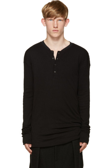 Isabel Benenato - Black Ribbed Henley