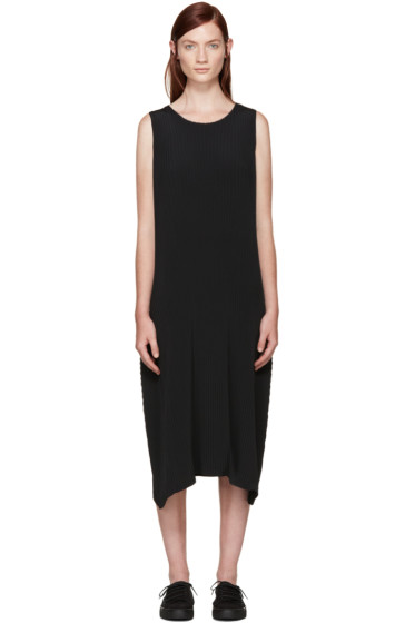 Issey Miyake - Black Pleated Solid Earth Dress