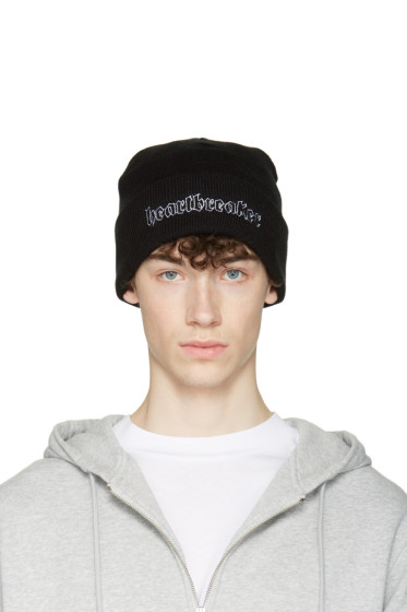 Nasaseasons - Black 'Heartbreaker' Beanie