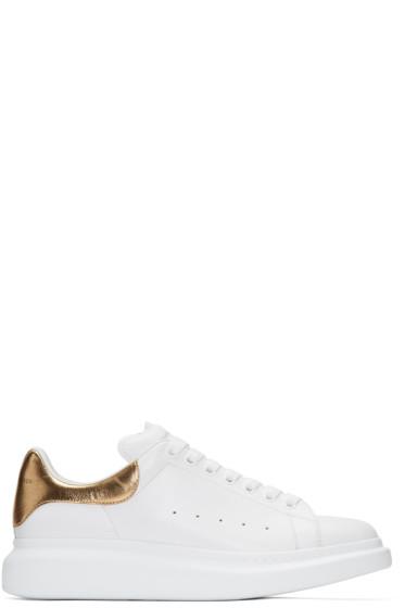 Alexander McQueen - ホワイト & ゴールド オーバーサイズ スニーカー