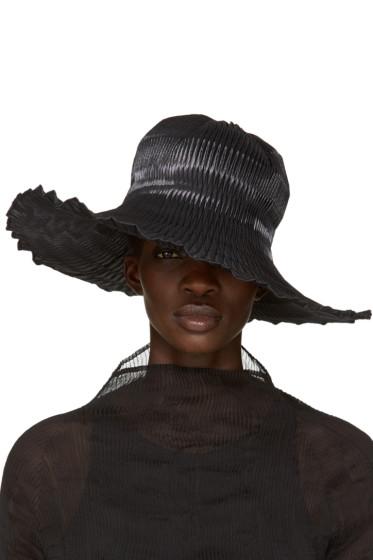 Issey Miyake - Black Pleated Hat