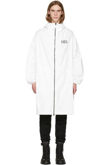 UEG - ホワイト Tyvek® ロゴ フード コート