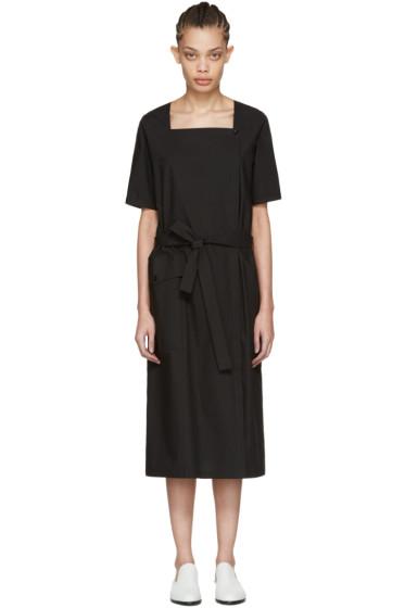Moderne - ブラック スクエア ネック ドレス