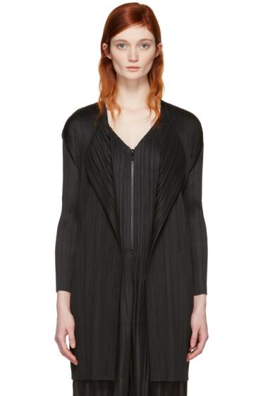 Pleats Please Issey Miyake - Black Pleated Short Coat