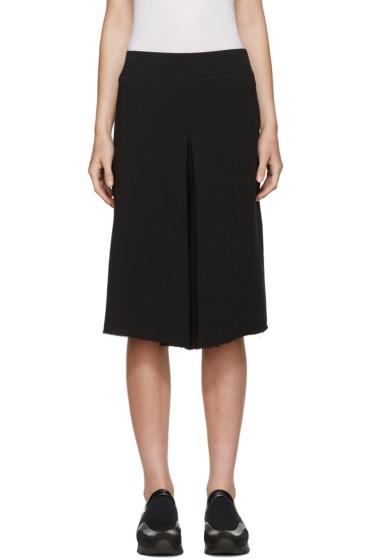 6397 - Black Wide-Leg Shorts