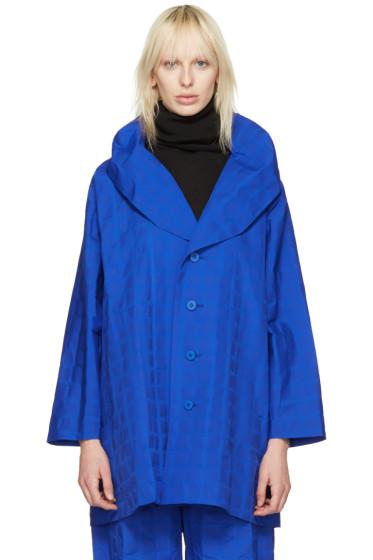 Issey Miyake - ブルー クランプル グリッド コート