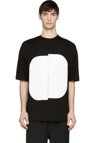 Cy Choi - Black & White Vinyl Plaque T-Shirt