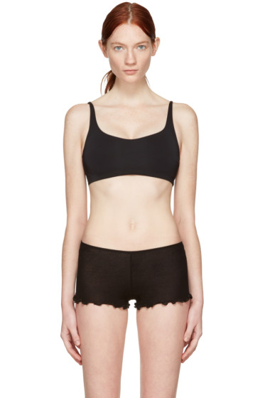 Land of Women - Black Demi Sports Bra