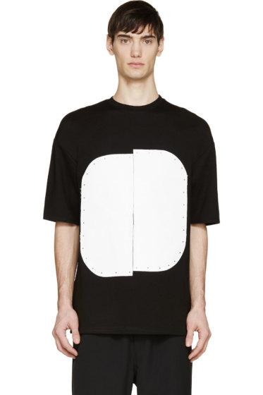 Cy Choi - Black & White Vinyl Plaque T-Shirt