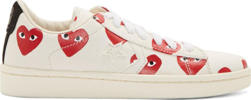 Comme des Garçons Play White Canvas Signature Heart Print Converse Edition Sneakers