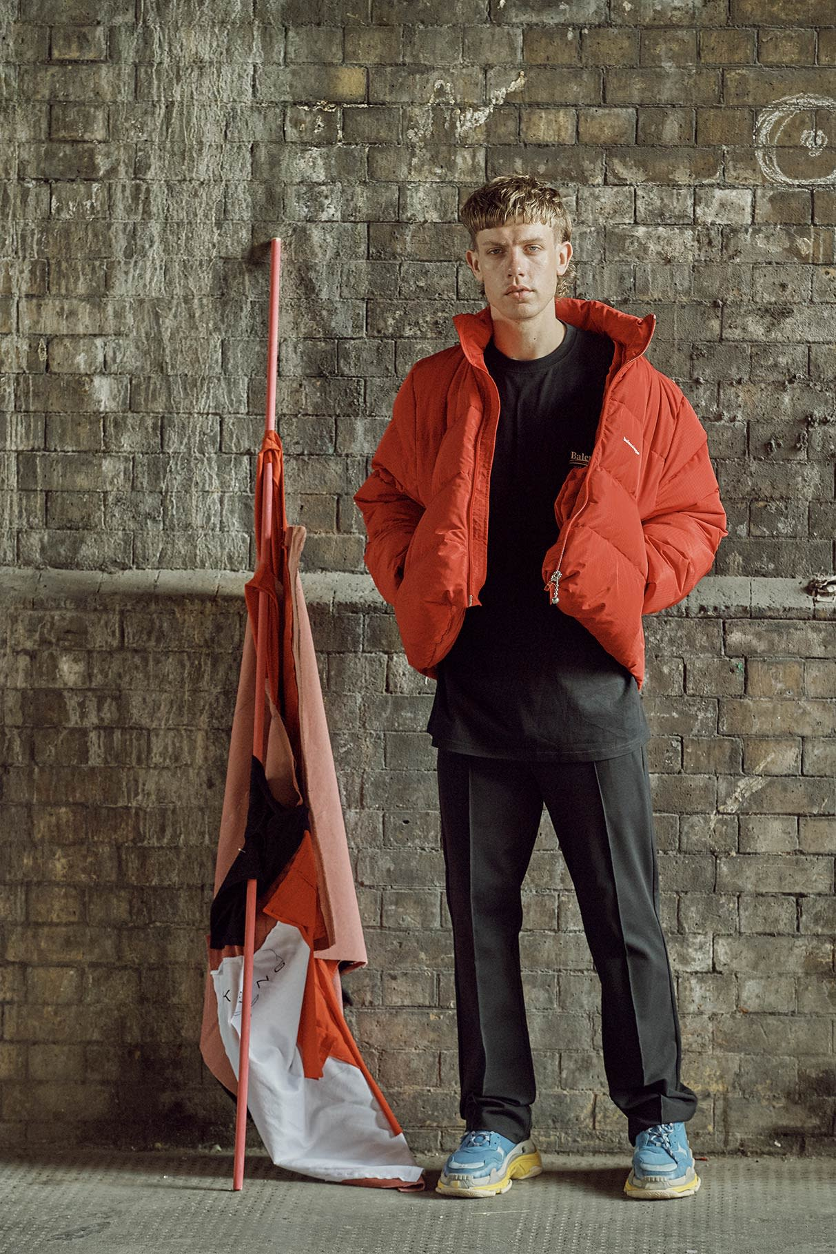 https://res.cloudinary.com/ssenseweb/image/upload/dpr_auto/v1500918845/editorial/editorial/FW17/Balenciaga_02.jpg