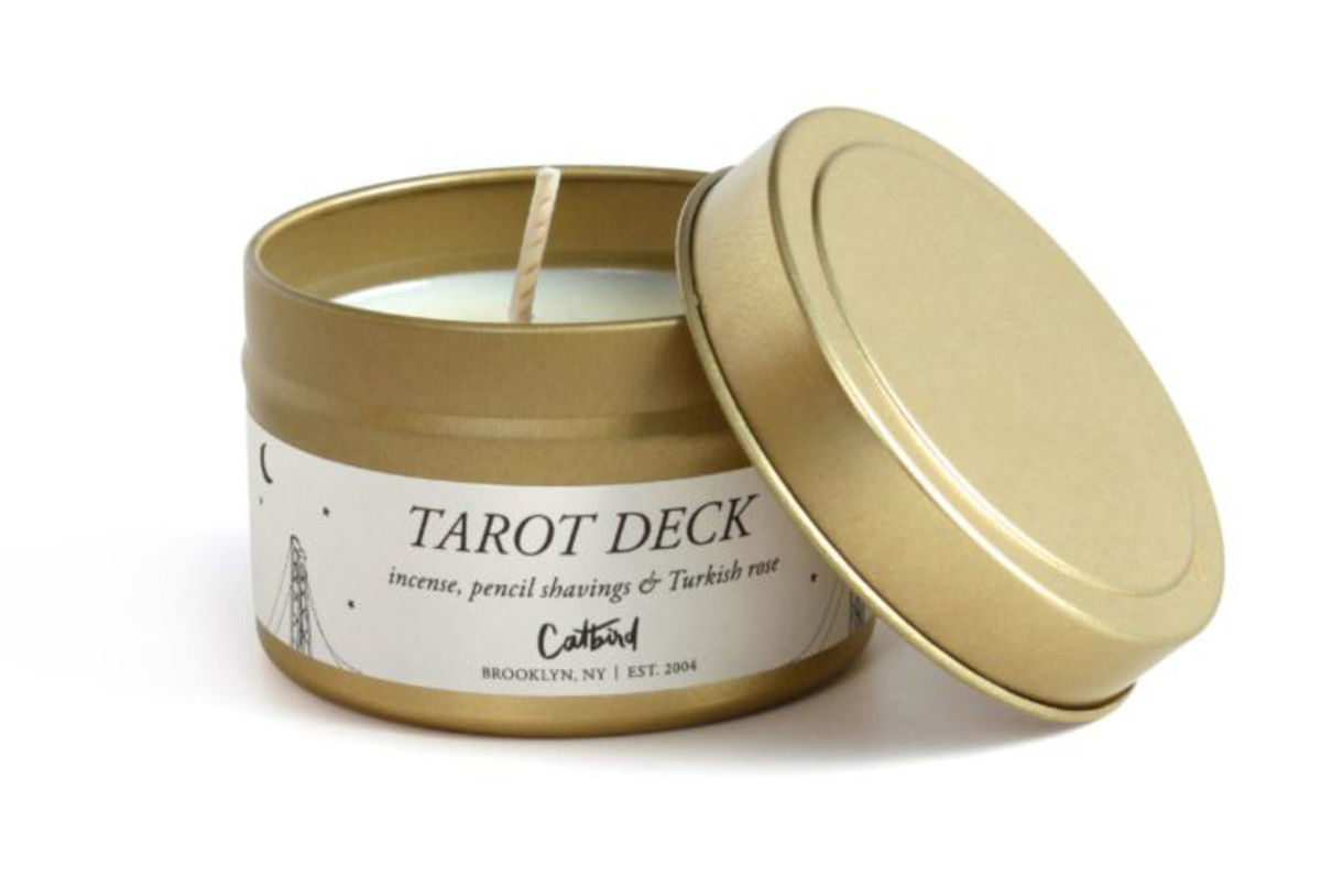 travel candle in tin with lid