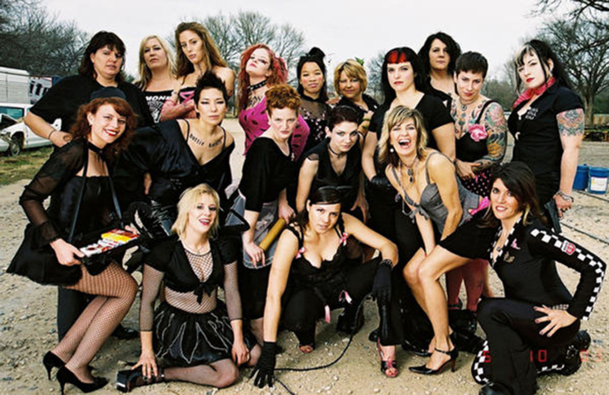 hotrod honeys roller derby team photo