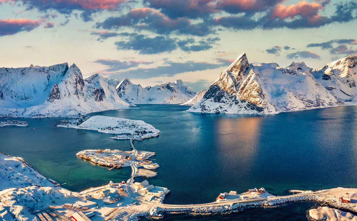 12 Amazing Instagram Accounts That Will Transport You to the Deadly Beautiful Arctic