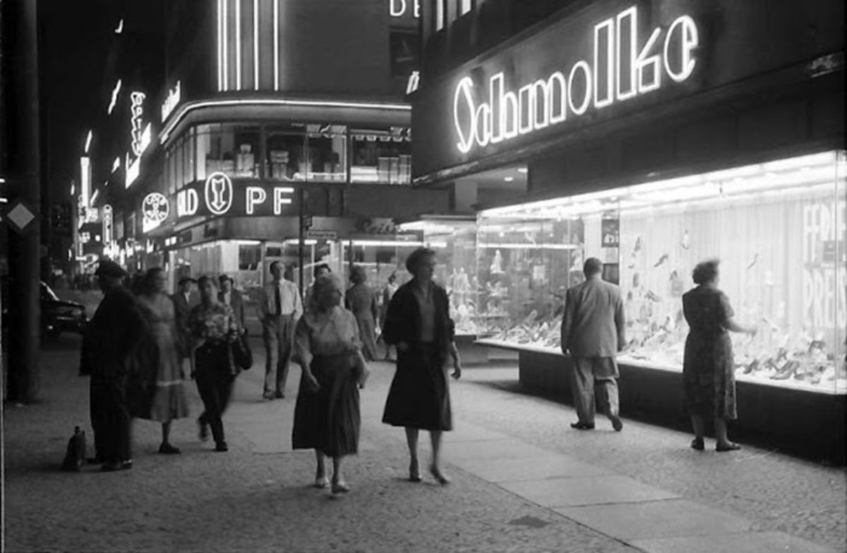 black and white photo of berlin street at night in 1957