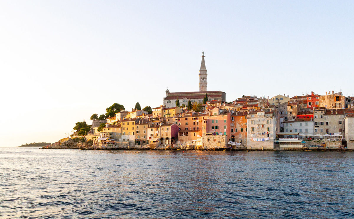Rovinj, WWII Love Notes, Rye Madness, the Brain on Fiction & More: Endnotes 19 March