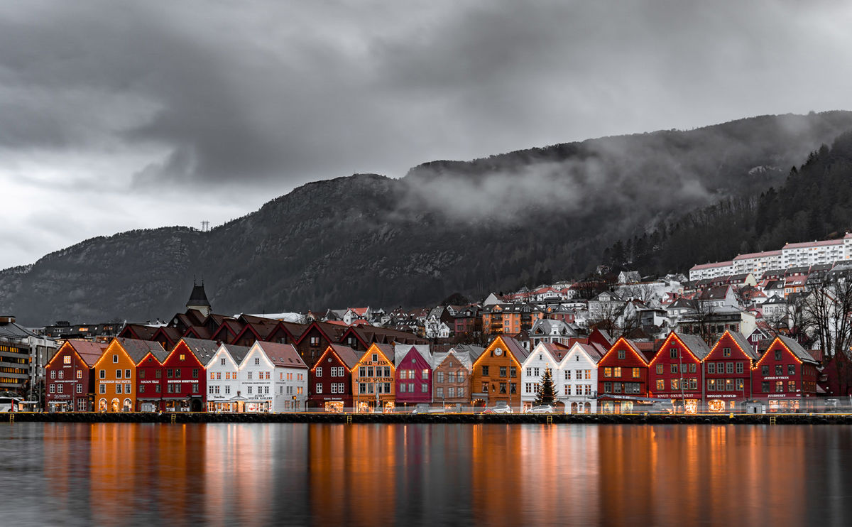 Bergen Norway, Reading Beowulf, Krampus, Gingerbread & More: Endnotes 11 December