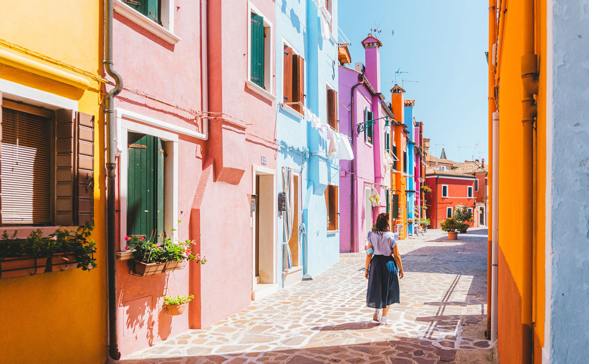 Burano Italy, Sea Shanties, Reading Pod, Austen's England & More: Endnotes 08 January