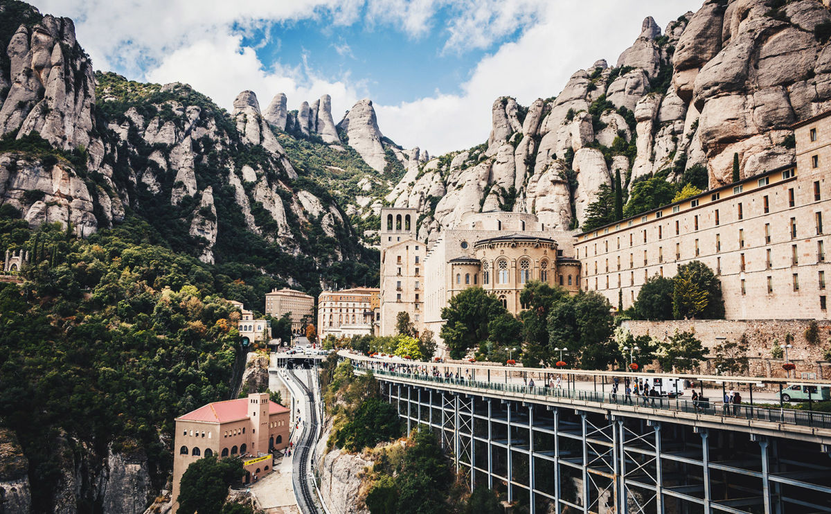 Montserrat Abbey, Bad Book Covers, Global Lit by Women & More: Endnotes 12 March