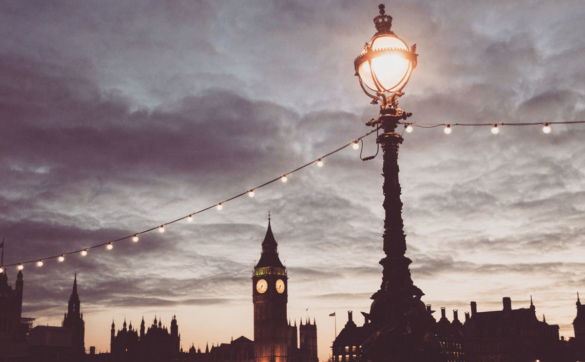 Big Ben, Book Cover Trends, Fat Bear Week, Domestic Gothic & More: Endnotes 01 October