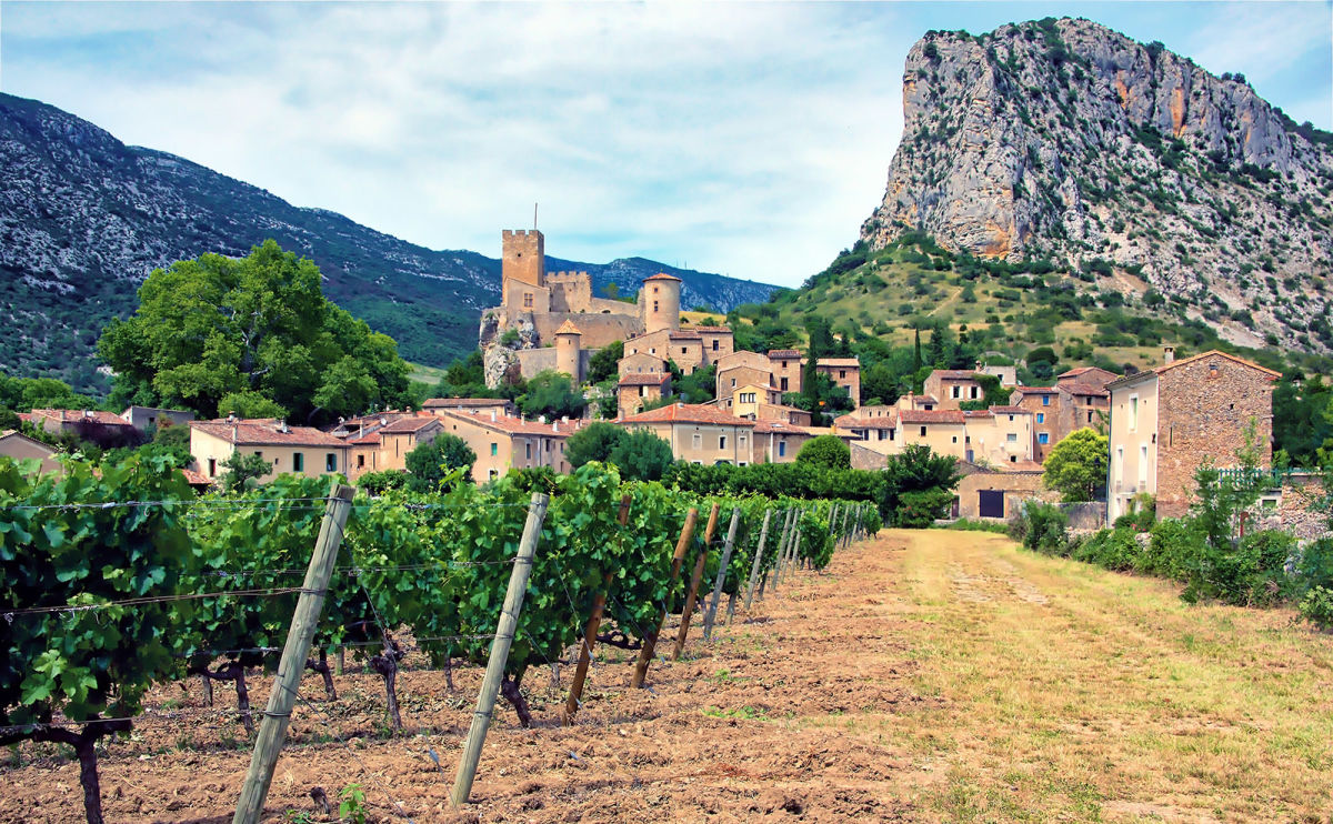 Enjoy a Sinister, Sun-drenched Holiday in the South of France with 'The Vacation'