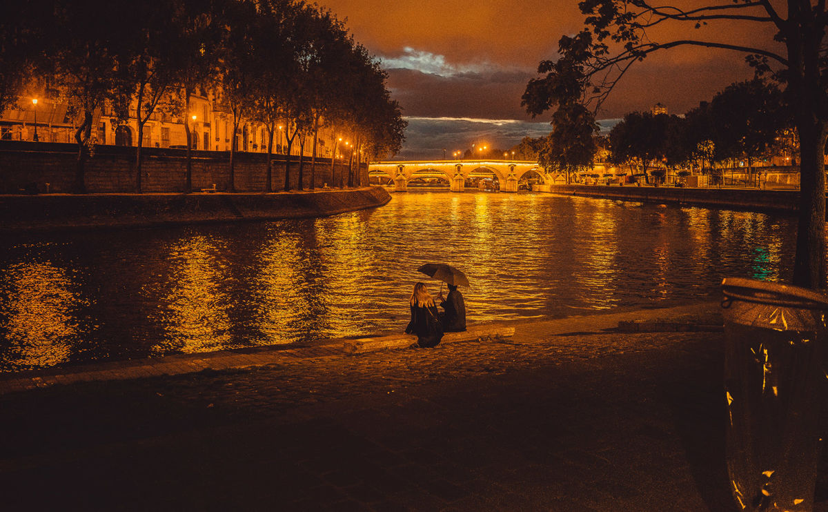 Walk the Cobbled Streets of Love and Memory in the Novel 'Haunting Paris'