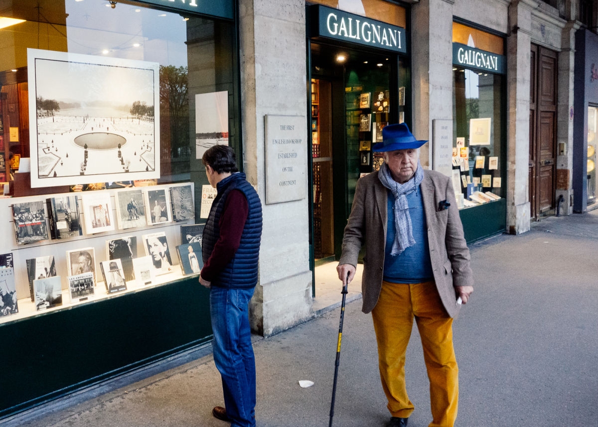 front window of librairie galignani